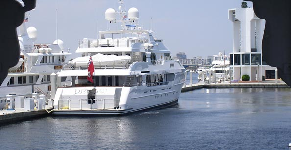 Tiger Woods yacht privacy at Ft. Lauderdale